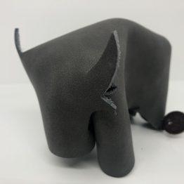 taureau gris foncé